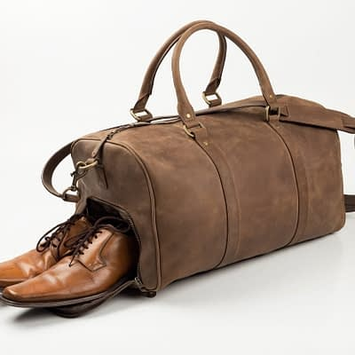 "rich result in google SERP while searching ""vintage duffle bag"""